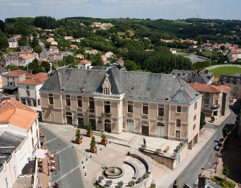 Pouzauges-Mairie