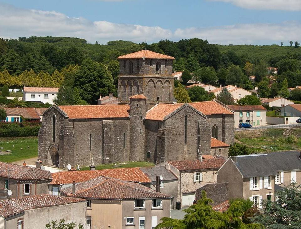 Pouzauges-eglise-vieux-bourg