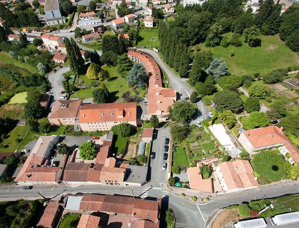 prise-de-vue-drone-pouzauges-centre-ville-8